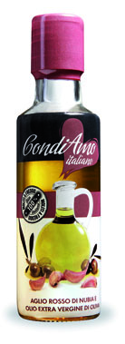 Nubia red garlic and Extra-Virgin Olive Oil Bottle